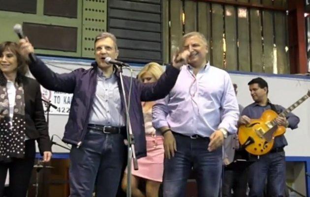 Χέρι-χέρι με τον Πατούλη o Αυτιάς: «Ούλοι, ούλοι ψηφίζουμε Πατούλη» (βίντεο)