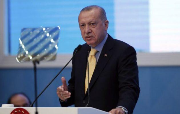 Ξεσαλώνει ο Ερντογάν: «Η ισλαμοφοβία είναι όπως ο αντισημιτισμός»