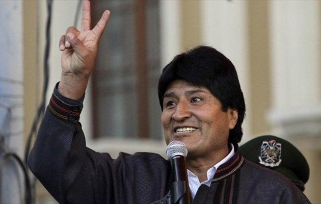 Μοράλες: Οι ΗΠΑ μου πρόσφεραν αεροπλάνο για να φύγω από τη Βολιβία