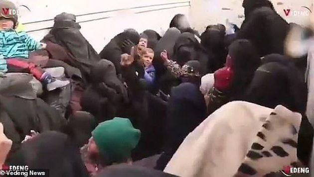 Γυναίκες τζιχαντιστών παραμένουν πιστές στο Ισλαμικό Κράτος