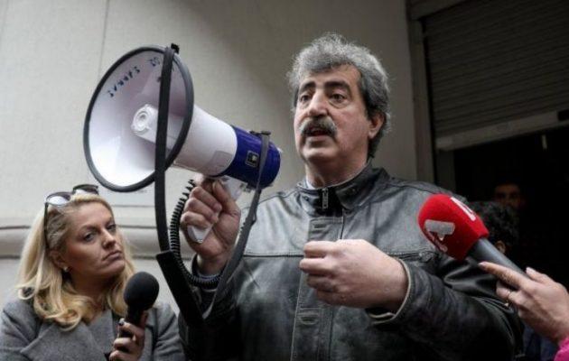 Πολάκης με ντουντούκα στον πρόεδρο της ΠΟΕΔΗΝ: Το βρήκες το υπουργείο