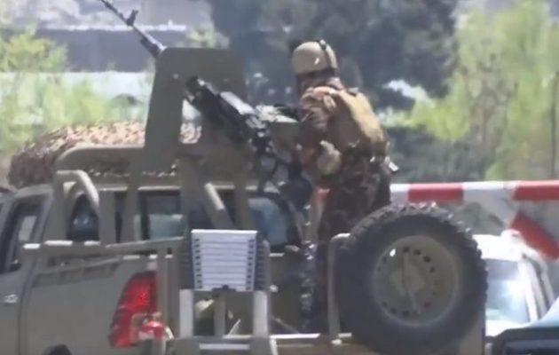 Το Ισλαμικό Κράτος ανέλαβε την ευθύνη για την επίθεση στο υπουργείο Επικοινωνιών του Αφγανιστάν