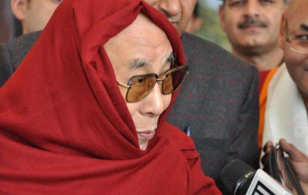 Βγήκε από το νοσοκομείο ο Δαλάι Λάμα