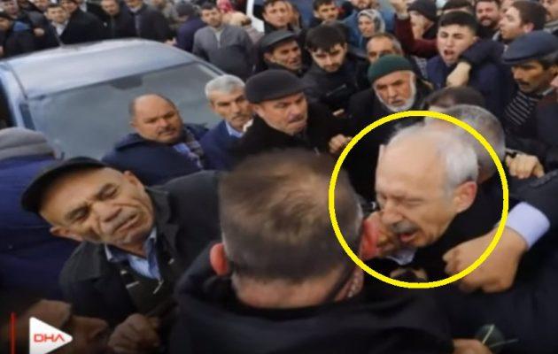 Γρονθοκόπησαν τον αρχηγό της τουρκικής αντιπολίτευσης σε κηδεία Τούρκου στρατιώτη (βίντεο)