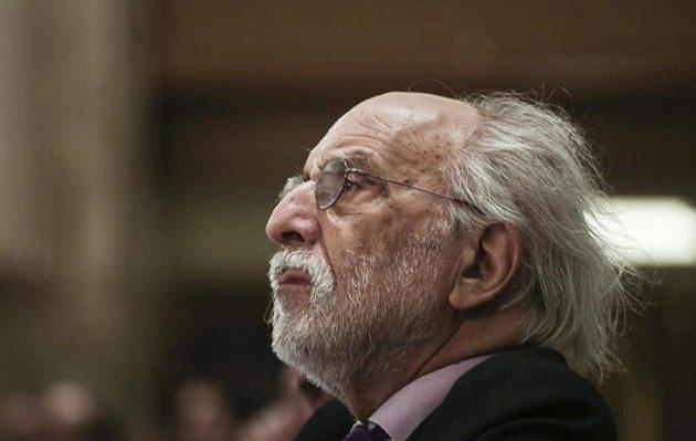 Οι διάλογοι-φωτιά που καίνε τον Αλέξανδρο Λυκουρέζο