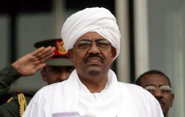Πακτωλός χρημάτων στην οικία του έκπτωτου προέδρου του Σουδάν