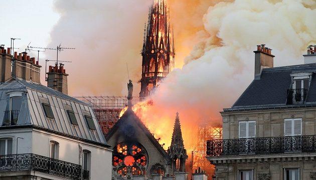 Στο πλευρό της Γαλλίας για την Παναγία των Παρισίων και η Unesco