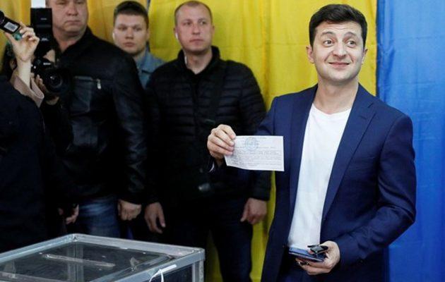 Ουκρανία: Ο κωμικός της τηλεόρασης Βολοντίμιρ Ζελένσκι νέος πρόεδρος της χώρας