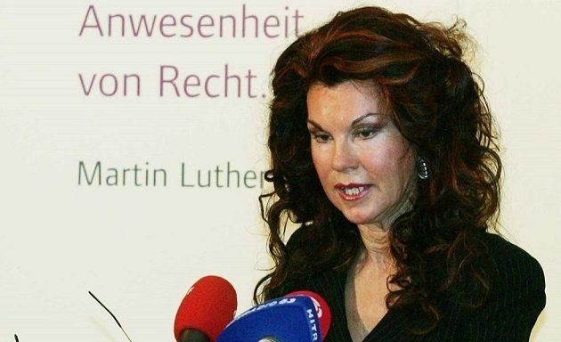 Γυναίκα αναλαμβάνει Καγκελάριος στην Αυστρία μέχρι τις εκλογές του Σεπτεμβρίου