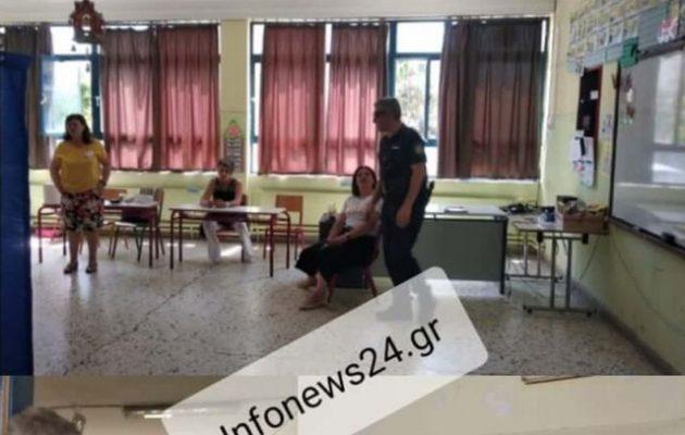 Ψηφοφόρος «γκρίνιαζε» για την ουρά και ο Δικαστικός την «επίταξε» για εφορευτική επιτροπή