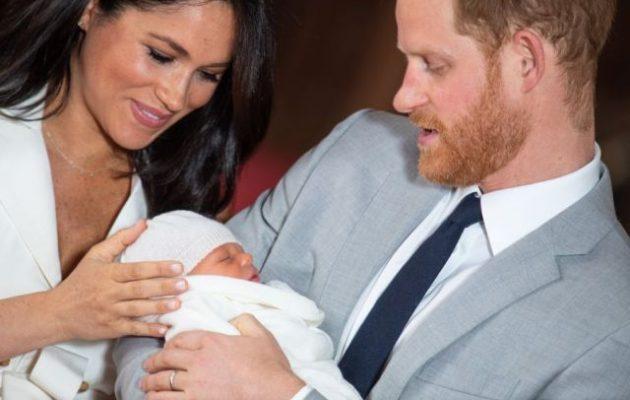 Απολύθηκε από το BBC ραδιοφωνικός παραγωγός που παρομοίασε το βασιλικό μωρό με «χιμπαντζή»