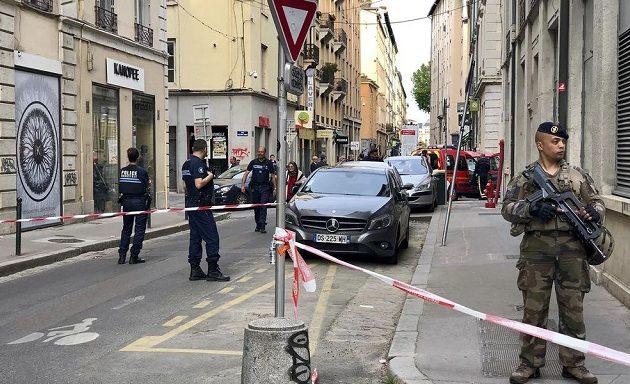 Ο συλληφθείς για την έκρηξη στη Λιόν δήλωσε πίστη στο Ισλαμικό Κράτος