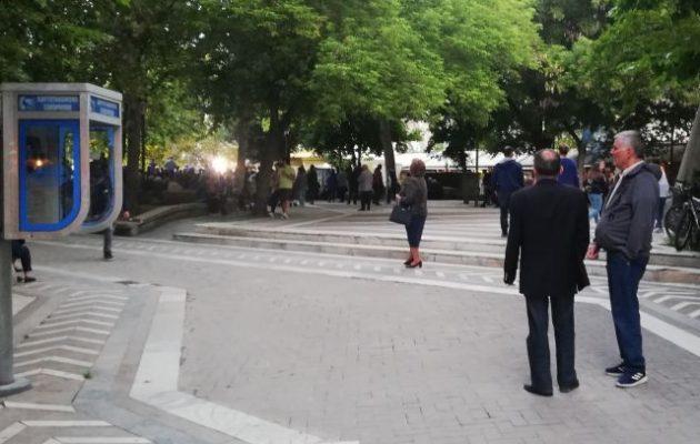 Σε άδεια πλατεία μίλησε ο Μητσοτάκης στη Λάρισα – Η Θεσσαλία τον περιφρόνησε (φωτο)