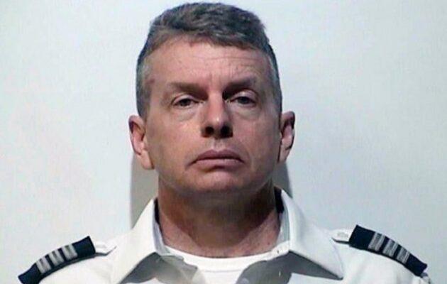 Συνελήφθη πιλότος μέσα σε αεροπλάνο για τριπλή δολοφονία