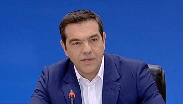 Μείωση ΦΠΑ σε τρόφιμα, εστίαση, ενέργεια και 13η σύνταξη ανακοίνωσε ο Τσίπρας