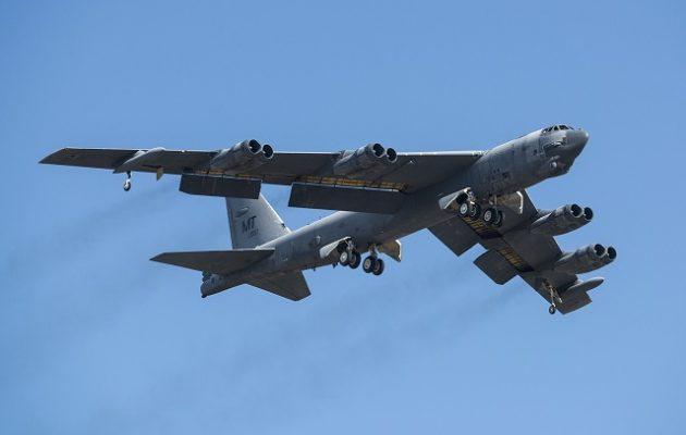 Οι Αμερικανοί στέλνουν τέσσερα βομβαρδιστικά Β-52 στη Μέση Ανατολή