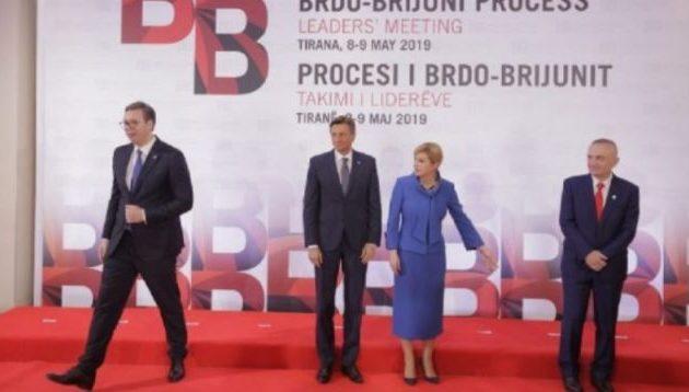 Ο Πρόεδρος της Σερβίας αρνήθηκε να φωτογραφηθεί με τον Αλβανό ομόλογό του