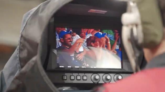 Μοναδικά δώρα από την «τυχερή» κάμερα του ΟΠΑΠ στον αγώνα της Εθνικής Ελλάδας (βίντεο)