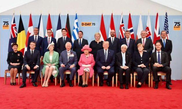 Στην 75η επέτειο της απόβασης της Νορμανδίας ο Έλληνας πρόεδρος δίπλα στον Αμερικανό