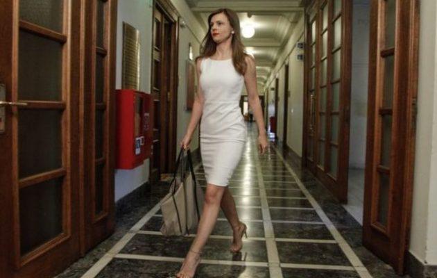 Έφη Αχτσιόγλου: Ακραία νεοφιλελεύθερη η ατζέντα Μητσοτάκη