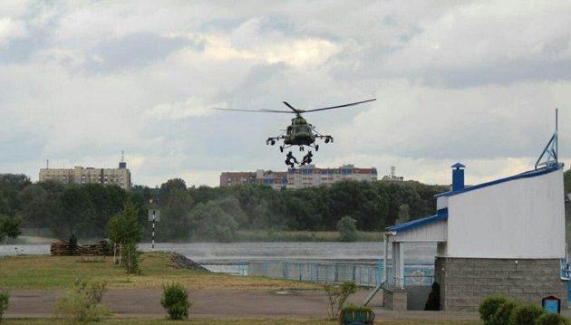 Σέρβοι, Ρώσοι και Λευκορώσοι καταδρομείς πραγματοποιούν κοινή στρατιωτική άσκηση