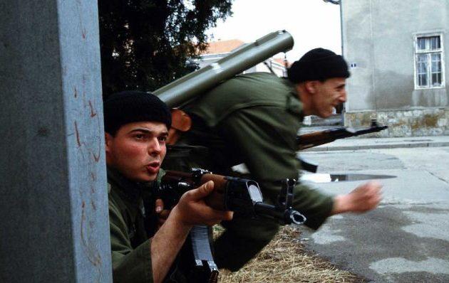 Πώς οι εμφύλιοι της Γιουγκοσλαβίας διαμόρφωσαν μια ολόκληρη φουρνιά ακροδεξιών και τζιχαντιστών
