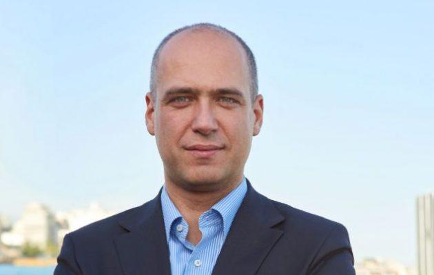 Χριστόφορος Μπουτσικάκης: Εγκαίνια στο πολιτικό του γραφείο στον Πειραιά την Τρίτη