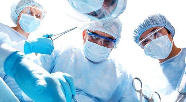 Πρωτοποριακή επέμβαση: Μεταμόσχευση γονάτου με μόσχευμα από 3D εκτυπωτή