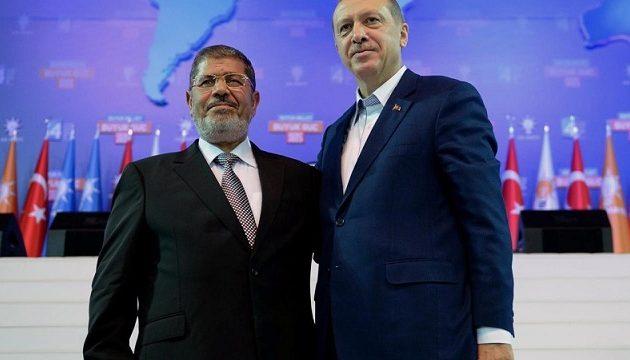 Επιμένει ο Ερντογάν: Δεν ήταν φυσικός ο θάνατος του Mόρσι