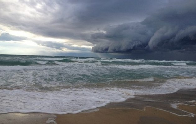 Έρχεται κακοκαιρία από το βράδυ του Σαββάτου, με καταιγίδες, χαλάζι και πτώση θερμοκρασίας