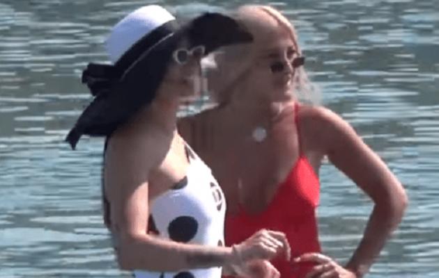 Ιωάννα Τούνη και Δήμητρα Αλεξανδράκη με καυτά μαγιό έβαλαν «φωτιά» στη Μύκονο (βίντεο)