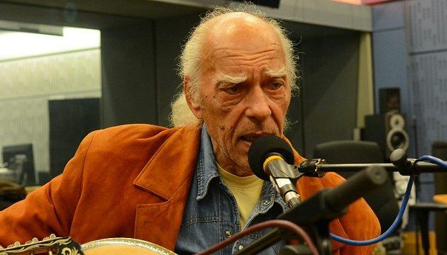 Πέθανε ο ρεμπέτης Στέλιος Βαμβακάρης σε ηλικία 72 ετών