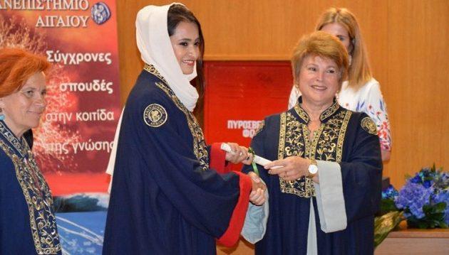 Επίτιμη Διδάκτορας στο Πανεπιστήμιο Αιγαίου η πρώτη γυναίκα πιλότος στα Αραβικά Εμιράτα