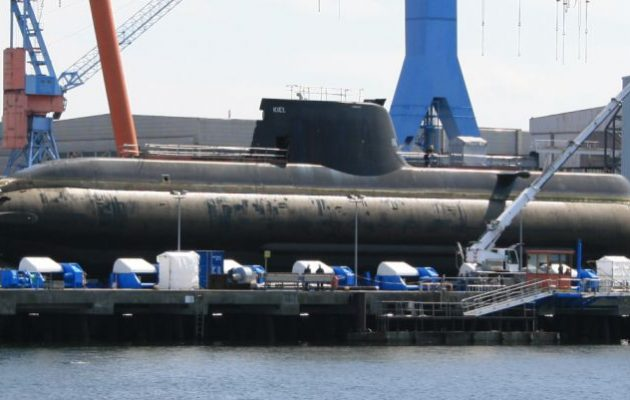 Η Τουρκία ναυπηγεί έξι νέα υποβρύχια τύπου 214 μαζί με τη Γερμανία