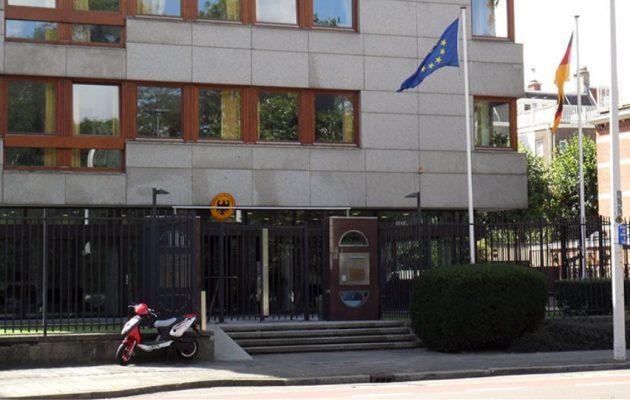 Έξι συλλήψεις για επίθεση κατά αστυνομικών κοντά στη Γερμανική πρεσβεία