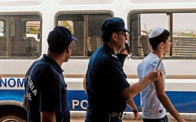 Στο δικαστήριο η 19χρονη Βρετανίδα που κατήγγειλε ψευδώς ομαδικό βιασμό από Ισραηλινούς