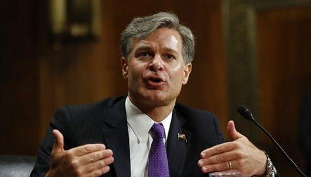 CNBC: Ο Μπάιντεν δεν αλλάζει τον διευθυντή του FBI