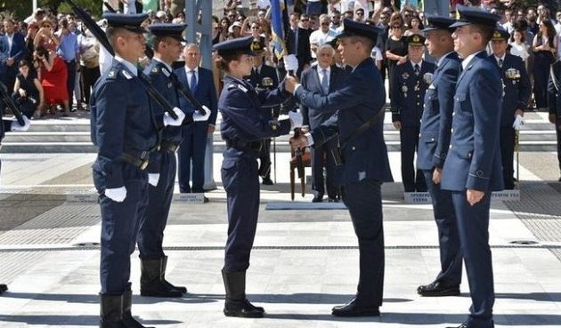 Ποια είναι η πρώτη γυναίκα αρχηγός της Σχολής Ικάρων της Πολεμικής Αεροπορίας