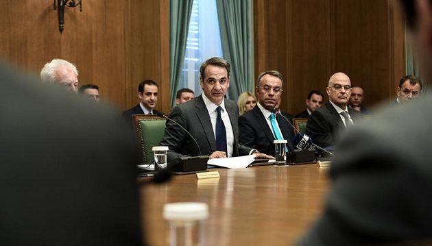 Δομικός ανασχηματισμός Μητσοτάκη: Ποιοι υπουργοί φεύγουν, ποιοι οι αμετακίνητοι