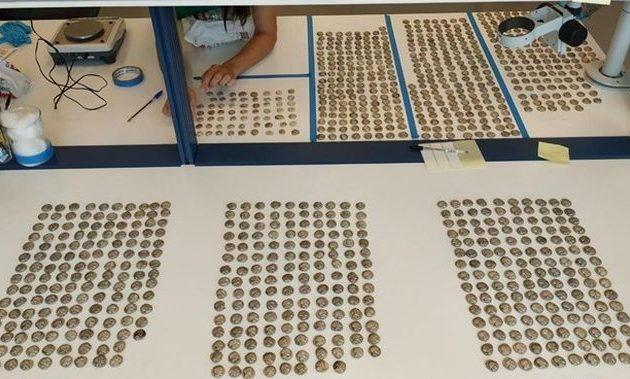 Συνελήφθη Τούρκος που μετέφερε πάνω από 1.000 αρχαία νομίσματα