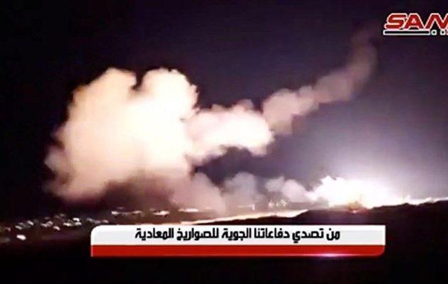 Το Ισραήλ βομβάρδισε στόχους στη Χομς και στα προάστια της Δαμασκού