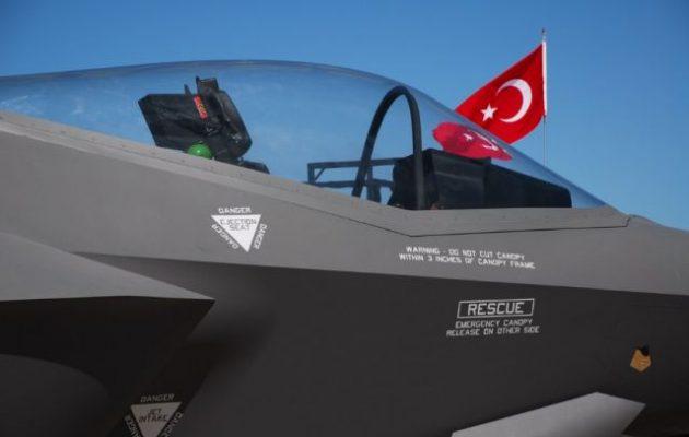 Η Τουρκία προσέλαβε Αμερικανούς δικηγόρους για να παραμείνει στο πρόγραμμα των F-35