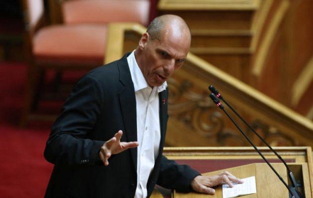 Βαρoυφάκης: Ο Μητσοτάκης προσφέρει πολλά δυσάρεστα θεάματα χωρίς άρτο