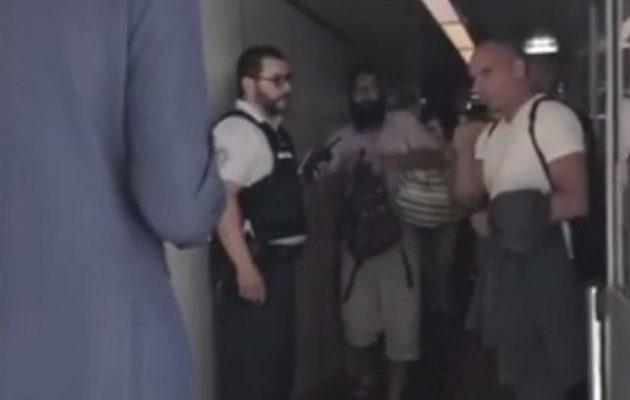 Ο Βαρουφάκης έσπρωξε αστυνομικό στο αεροδρόμιο «Σαρλ ντε Γκολ» (φωτο)