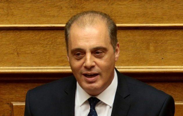 Σε έξαλλη κατάσταση ο Βελόπουλος «προειδοποίησε» με «κοινοβούλιο του Βορρά»
