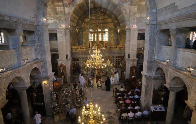 Με λαμπρότητα ο εορτασμός της Κοίμησης της Θεοτόκου στην Πάρο