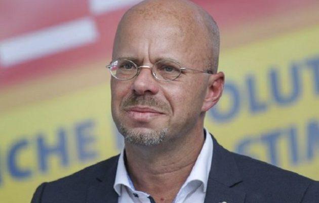 Το Spiegel «καίει» τον επικεφαλής του ακροδεξιού AfD – Τι αποκαλύπτει
