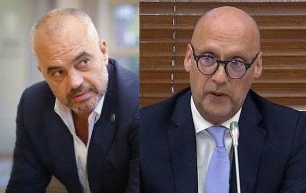 Η Αλβανία στα πρόθυρα της χρεοκοπίας, εκτιμά σύμβουλος της Μέρκελ