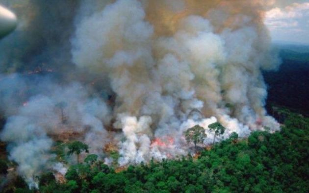Μακρόν για Αμαζόνιο: Το σπίτι μας καίγεται, πρόκειται για μια διεθνή κρίση