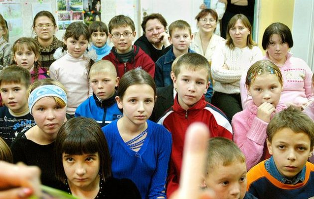 Το 26% των παιδιών στη Ρωσία ζουν κάτω από το ελάχιστο όριο διαβίωσης